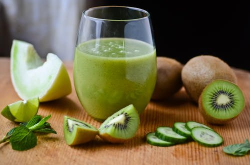 honeydew kiwi smoothie | Scaling Back